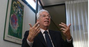 Tuvo ex embajador de México acusado de robo tumor cerebral